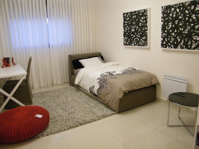 J garden, bedroom